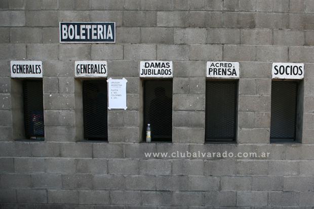 Canje de entradas vs. Defensores de Belgrano (VR)