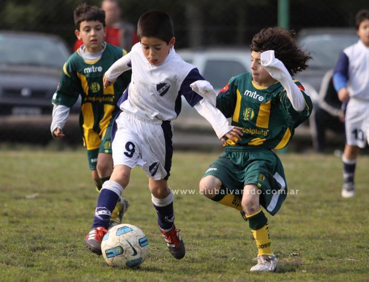 Alvarado y Aldosivi se unen para que el fútbol sea una fiesta