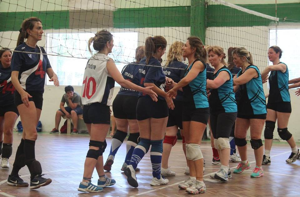 Gran actuación de las chicas en el Torneo de Maxi Vóley