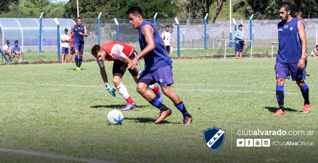 Alvarado dio una clase de contundencia ante Círculo Deportivo