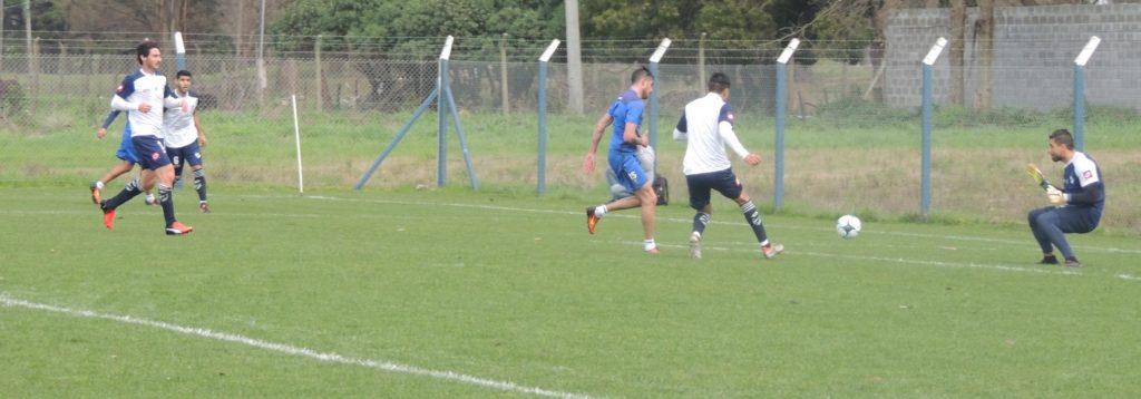 Alvarado dejó una buena imagen y venció a Quilmes