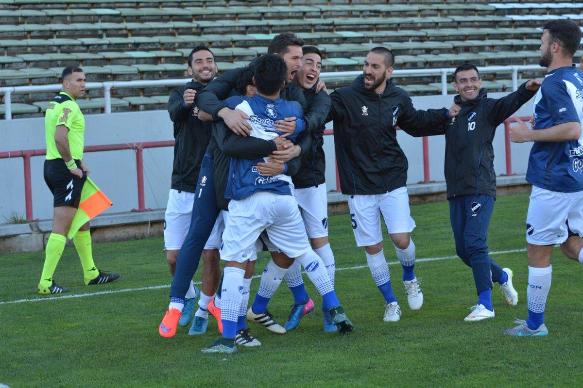 Alvarado ganó en el final un partido que mereció mucho antes