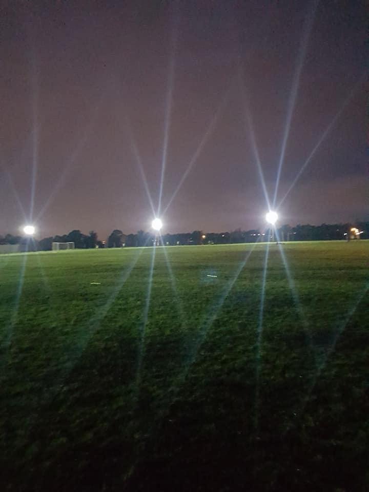 Otro sueño cumplido: los chicos entrenaron con la nueva iluminación