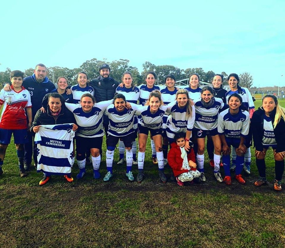 Puntapié inicial para el fútbol femenino de Alvarado