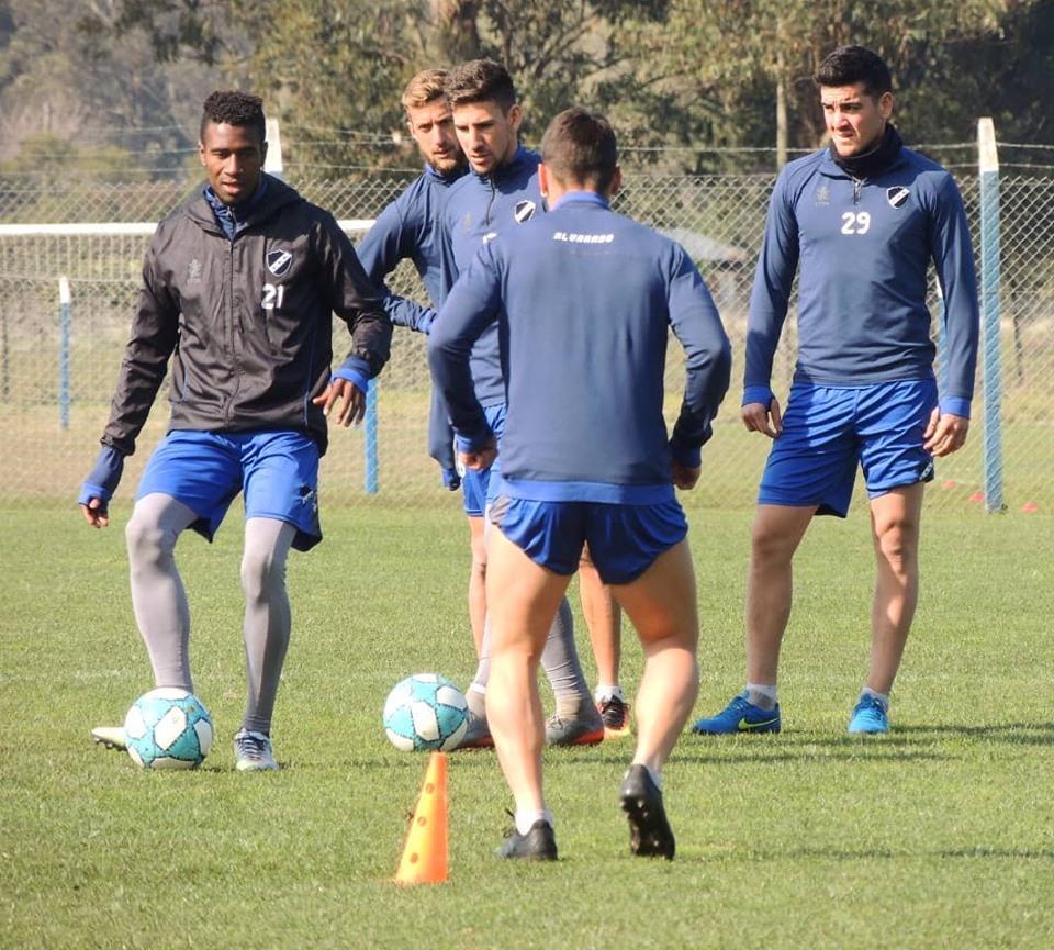 Alvarado se prepara para el debut en la Primera Nacional