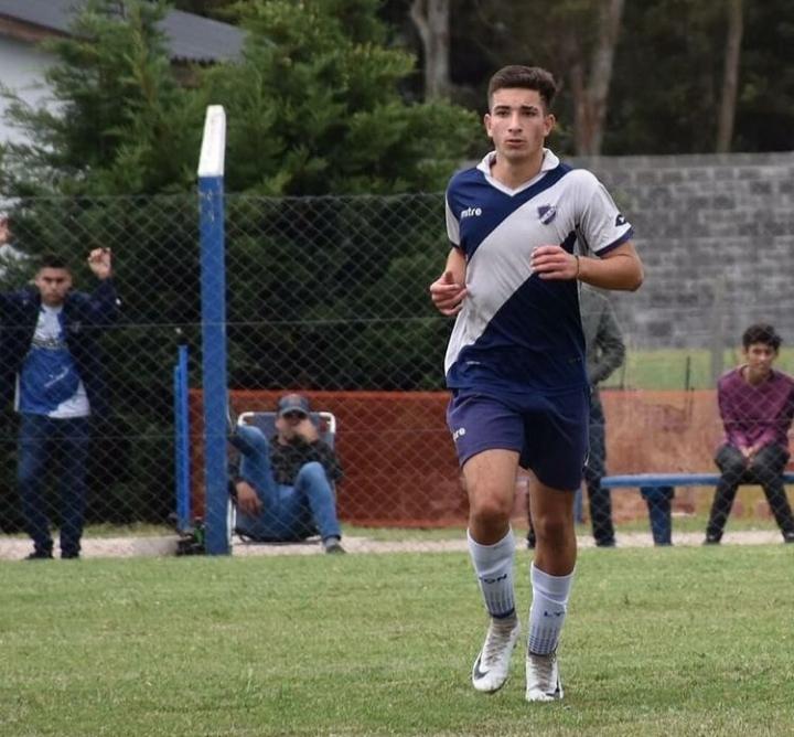 Un nuevo juvenil debutó en la Primera Nacional